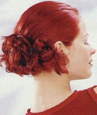 Hairstyles – Loose Bun