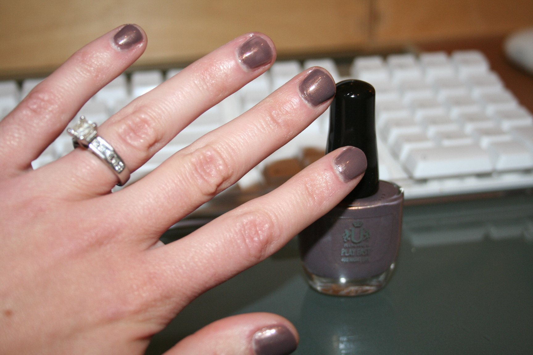 Trend Alert: Grey (Gray?) Nail Polish! - The Fashionable Housewife