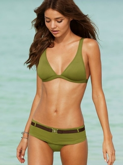 The Best Swimsuits for Pear Shaped Bodies