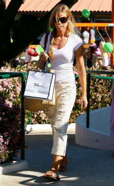 Celebrity Fashion: Denise Richards