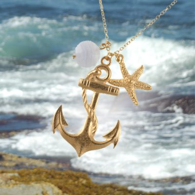 Summer Must-Have: Gold Anchor Necklace