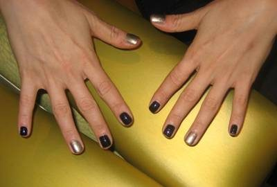 Home Manicure Tips: BlackBerry Bling Nails for Texting