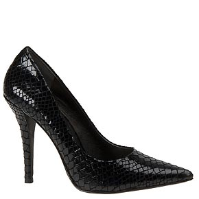 Back in Black: Must-Have Women's Shoes