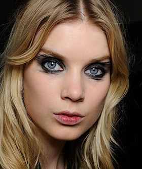 Would You Try: The Smeared Eye Look