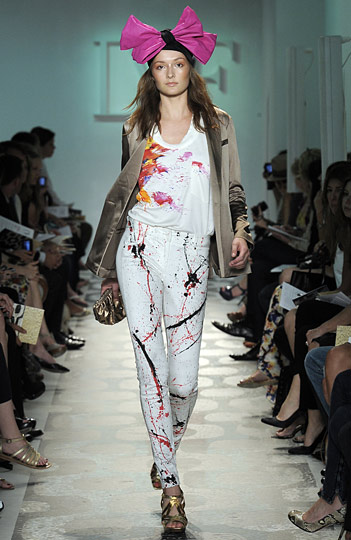 Diane von Furstenberg's Resort 2010= Summer Outfit Ideas!