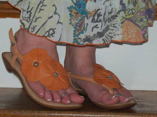 Review: Born Gladiolus Floral Blossom Sandals
