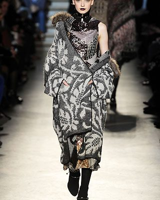 Fall 2010 Fashion Trends: Wrap Up Your Winter Wardrobe