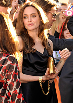 Angelina's Look: What Do You Think?
