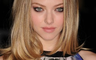 1021-amanda-seyfried-sexy-eye-makeup-look_bd