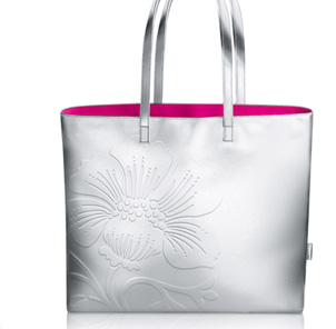 Free Limited Edition Tote with Any Purchase of $52.50 or More on Clinique.com
