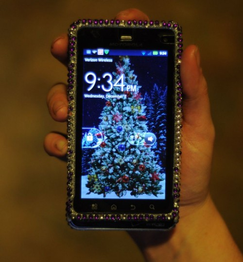 smart moms use smartphones to get things done the fashionable - Cool Things To Get For Christmas