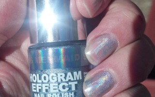 hologram effect polish wears off