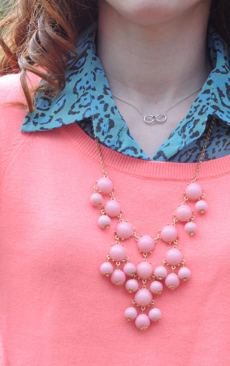 Buable Necklace in Coral