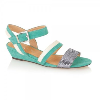 Trend Alert: MINT Green for Spring