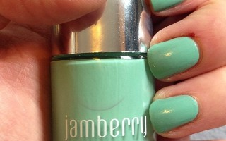 jamberry hint of mint swatch