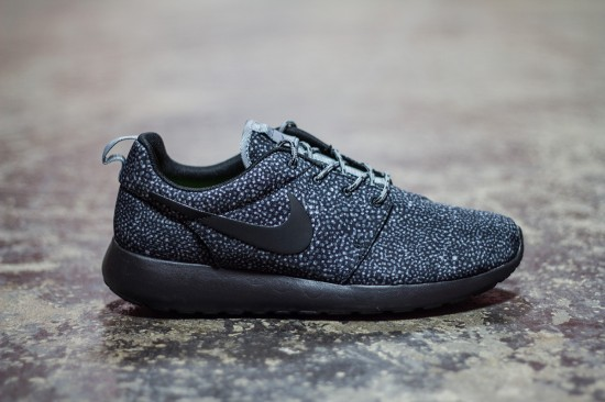 nike roshe run black and grey speckled cooktop