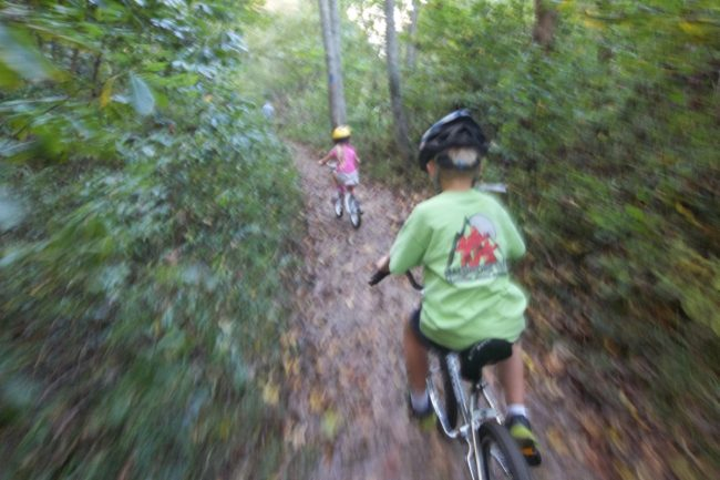 Teaching Kids Mountain Biking: Advice From Highly-Experienced Parents