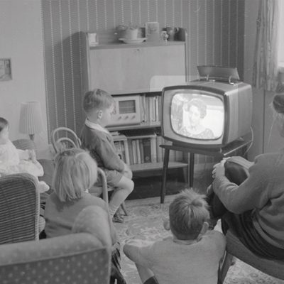 3 Measures To Save Money On Home Entertainment Services