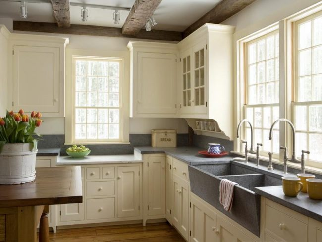 Rustic Farmhouse Kitchen interior design: creating a rustic farmhouse kitchen - the