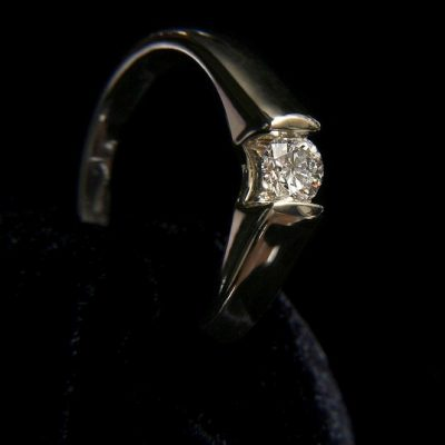 How Do I Clean my Diamond Jewelry Regularly Without Damaging it?