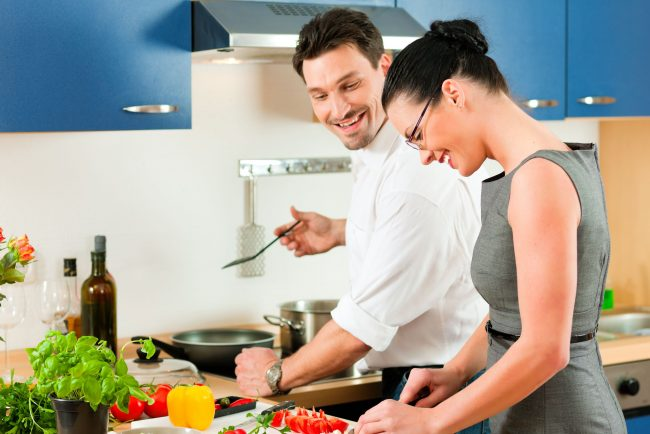 The Benefits of Couples Cooking Together