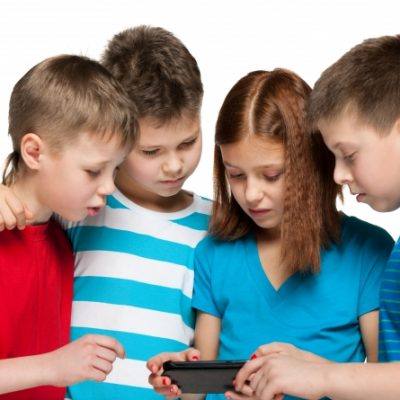4 Safety Tips for Kids Smartphone Usage!