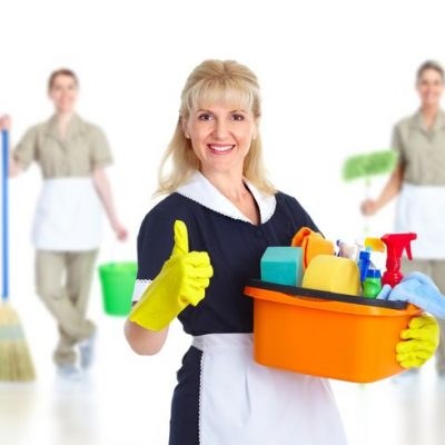 DIY Home Cleaning vs. Professional House Cleaning