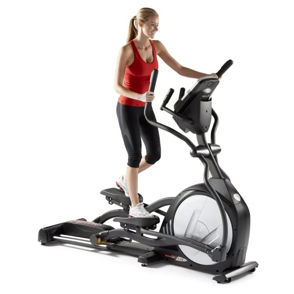 women-on-elliptical-trainer