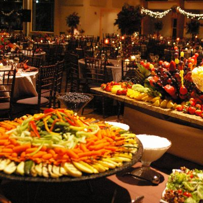 Benefits of Choosing a Professional Catering Company for Your Holiday Party