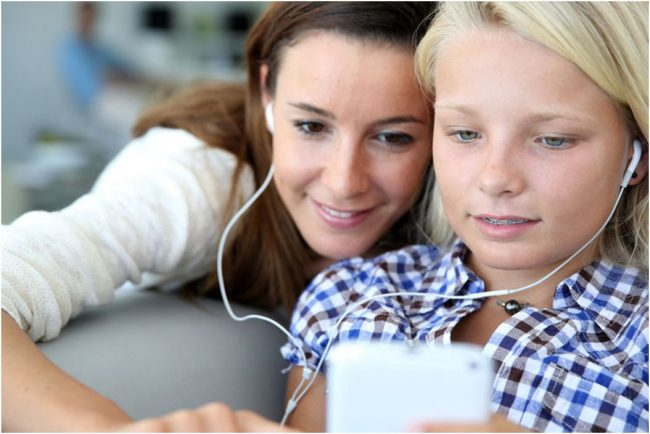 How to Ensure Safe Kids Smartphone Usage with Android Snooping app
