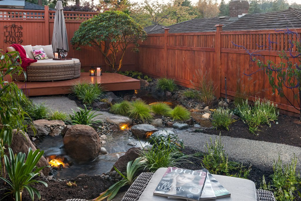 How to create a beautiful backyard oasis the fashionable housewife - How to create a small outdoor oasis ...