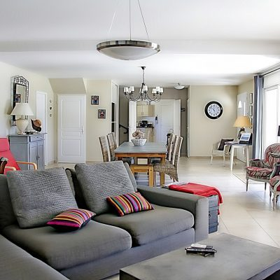Tips for Creating a Stylish and Family Friendly Lounge