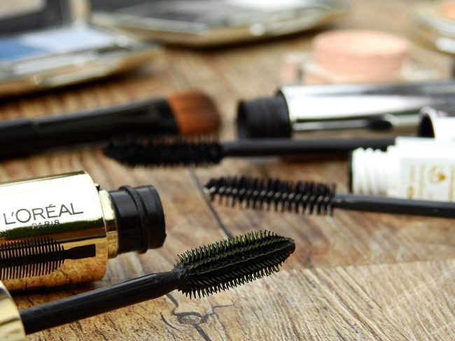 How To Avoid Horrible Infections From Old, Dirty Makeup