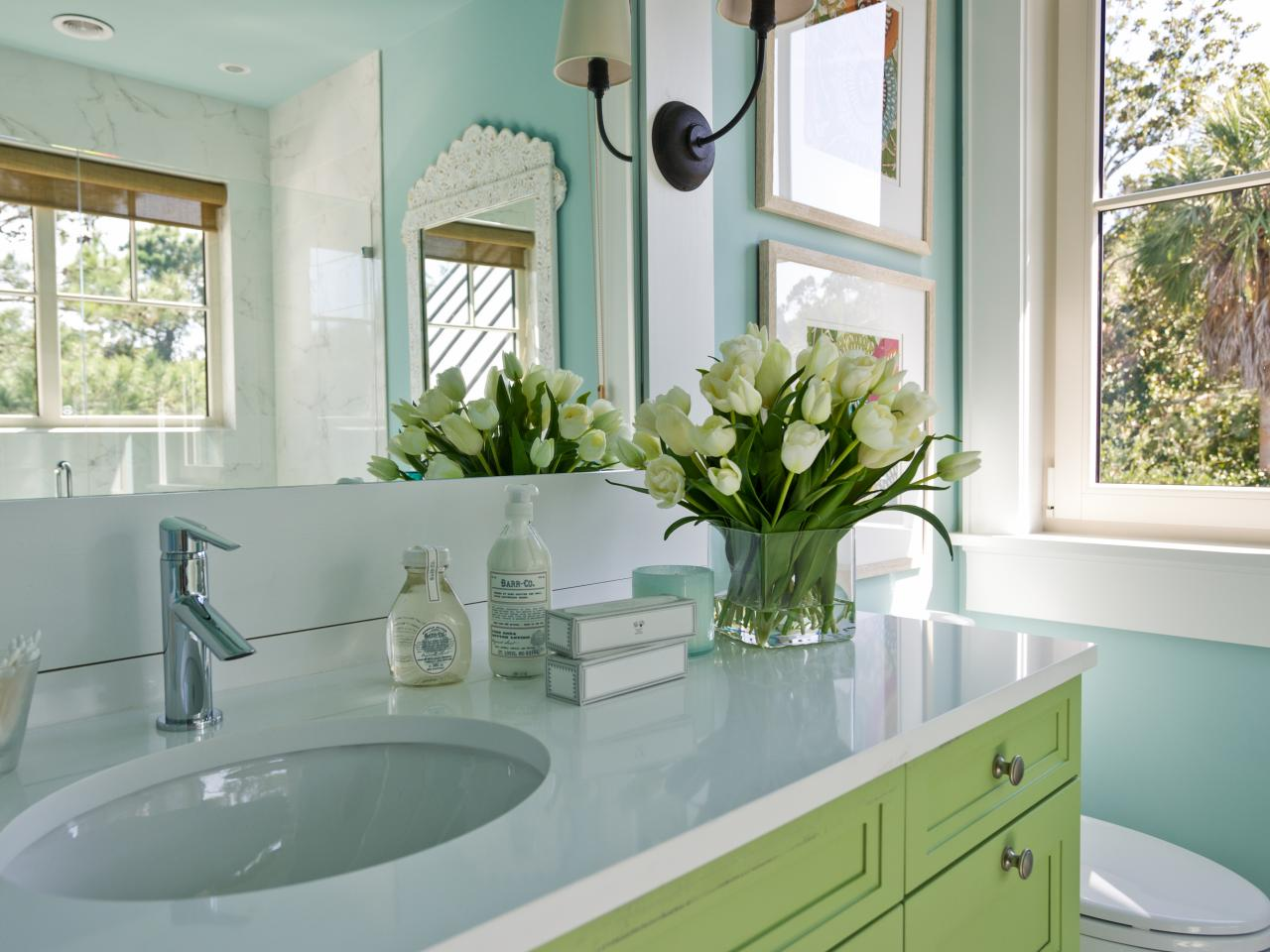 4 Tips For Redecorating Your Bathroom - The Fashionable Housewife
