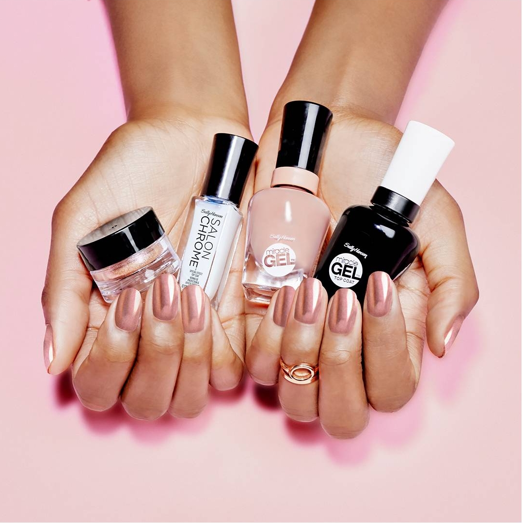 Latest Nail Trend: Chrome Nails! - The Fashionable Housewife