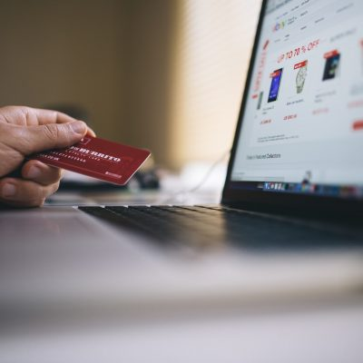 4 Tips For Buying Clothes Online