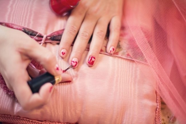hearts valentines nails