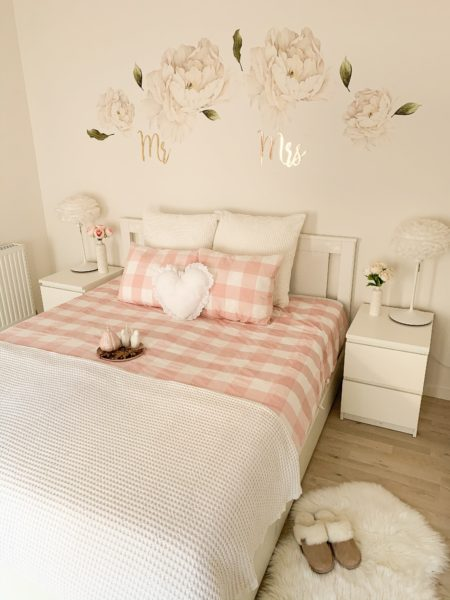 gingham bedroom